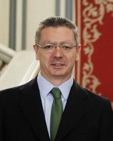 abogados-familia-dimision-ruiz-gallardon-ministro-justicia